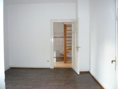 Andrea L'habitant Hausverwaltungen + Business-Support
